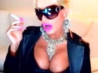 Smokingly Hot Goddess (no Sound) 1