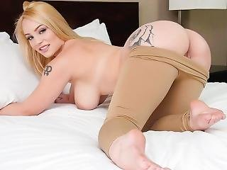 Teensdoporn - Busty Blonde First Timer Teen Fucked
