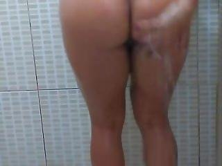 Brunna Taking A Shower
