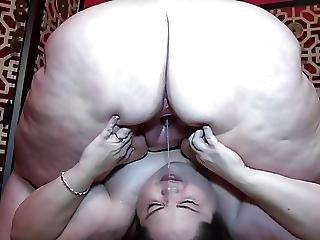 Mega Ass Face Squirters