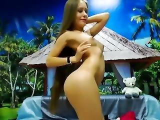 luder, schön, brünette, langhaarig, onanieren, nackt, russisch, sexy, kleine titten, solo, spielzeug, webkam
