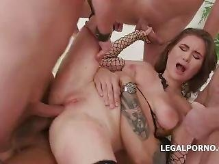 Scarlet Queen Anal