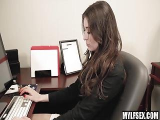 Secretary Fucks Boss Waiting For Her Husband To Pick Her Up
