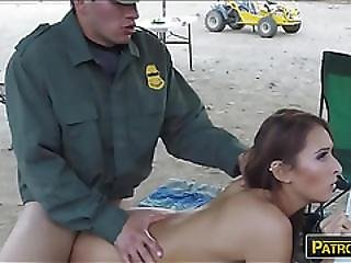 Amateur Brunette Babe Gets Her Pussy Railed At The Border