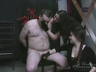 kociak, bondage, brunetka, fetysz, stymulacja wacka dłonią, dojrzała, matka, punkt widzenia