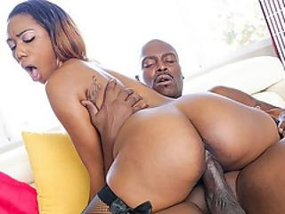 Chanell Gets Worshiped Lexington Huge Cock