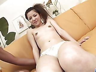 sexo com roupa mamas pequenas