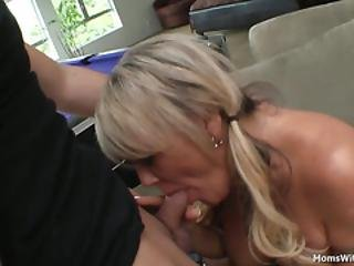 μαμά και αγόρι πίπα ωριμάζει πορνό HD
