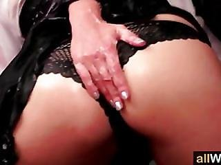 Rubbing Jello On Eachother