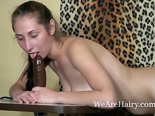 duże cycki, brunetka, masturbacja, seksowna, seks na stole, drażnienie, zabawki