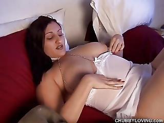 Super Cute Busty Bbw Babe Rubs Her Bushy Pussy