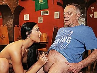 Daddy4k. Hottie Anna Rose Let Old Lover Stretch Her Wet Pussy In Bar