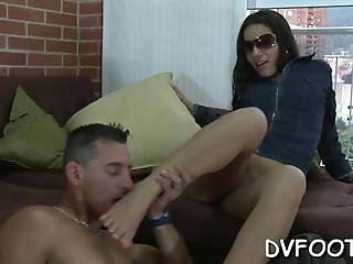 Girl Gets Her Feet Licked Pussy Rubed And Gives Footjob