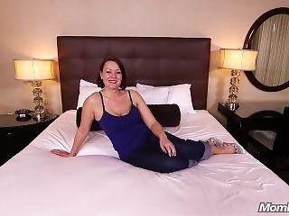 Jayne (all Natural Hot Milfy Mom)
