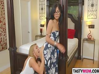Sexy Stepmom Kate Linn Likes To Help Gina Valentina