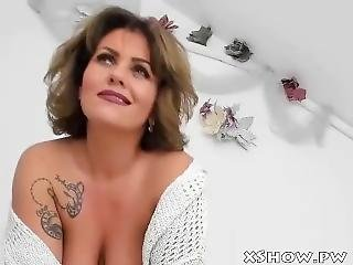 Mature Cute Mother Cumming On Cam