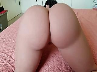 Big Butt Big Boob Spanish Doll Twerks Her Ass