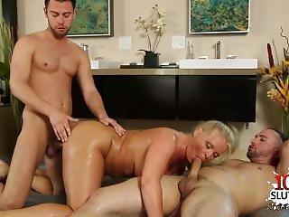 Hot Girl Blowjob And Massage