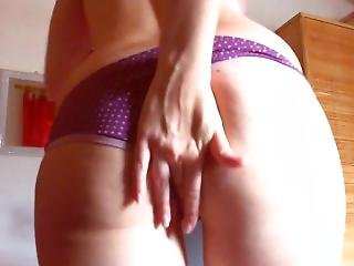 Please Daddy Make Me Squirt!