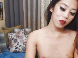 Oriental Hawt Ladyman Jerking Off Herself On Livecam