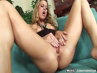 Wankz- Blonde Mia Presley Using Dildo