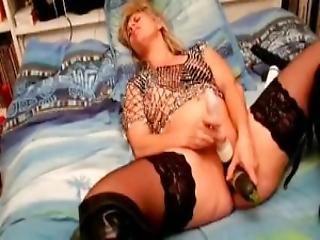 Lisa Orgasm With Cucumber