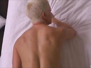 Moechtegern Amber Rose Wird Bei Massage Gefickt