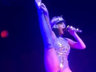 Katy Perry Sexy Zoomed Ass Performence On Stage