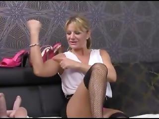 Pretty Russian Milf Flexes Her Biceps On Cam