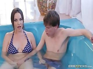 Secretly Rubbed In The Hot Tub - Full - Zzerz.com