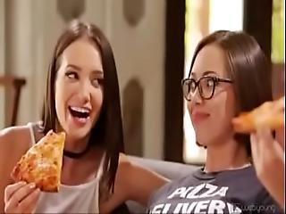 Lesbiyn fucked orgas videi