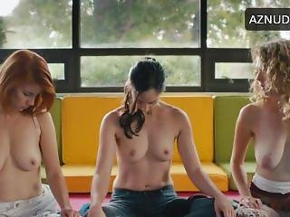 Catherine Reitman Topless Workin Moms S01 E01