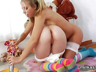 Hot Lesbians Fill Up Their Enormous Fannys With Cream And Splash It Out