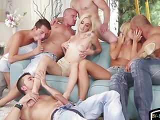 Bi Hunks Enjoy Kinky Euro Orgy