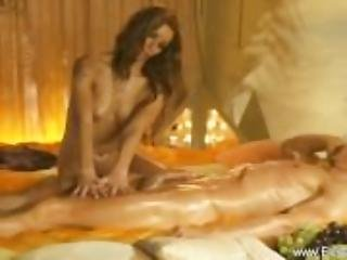 Golden Handjob Massage From MILF