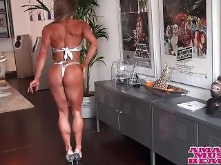 Sexy Fitness Babe
