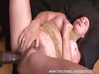 French Mature Woman In Threesome With Bbc
