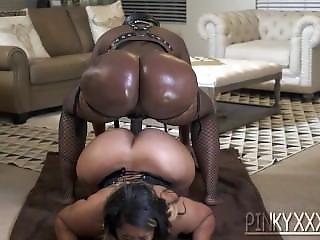 Pinkyxxx And Victoria Cakes