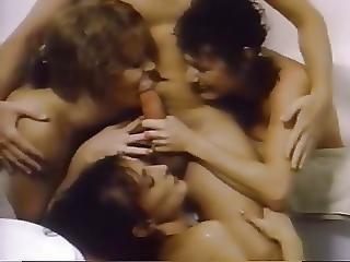 Splashing 1986
