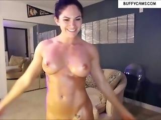 Live Muscle Chat With Hot Girl