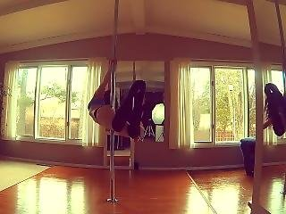Sexy Pole Dance With A Fucking Juicy Ass