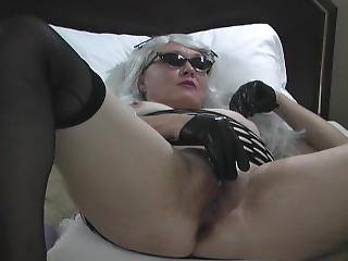 Wanna Watch Jeanie Rose Play With Her Wet Pussy ???