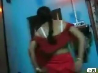 Red Saree Bhabi Blowjobe And Saree Open