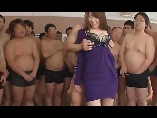 asiati, velké dudy, kuřba, bukkake, mrdka, creampie, cumshot, gangbang, dům, pornohvězda
