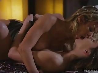 Sweetheartvideo.18.06.06.alexis.fawx.and.kristen.scott.girls.kissing.girls[