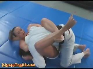 Grappling Girls Wrestling