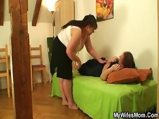Plump Mom Swallows His Cock When His Wife Left
