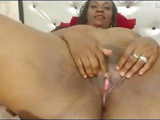 Mature Ebony Masturbate