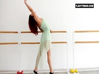 ballerina, fleksible, rødhåret, russik, alene, teen, yoga