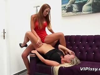 Lesbian Piss Drinking Fun With Beautiful Babes